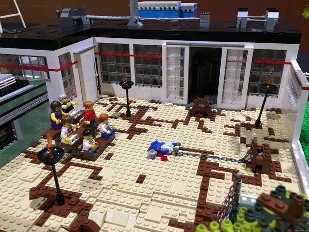 L'arène où les gens se battent contre des zombies