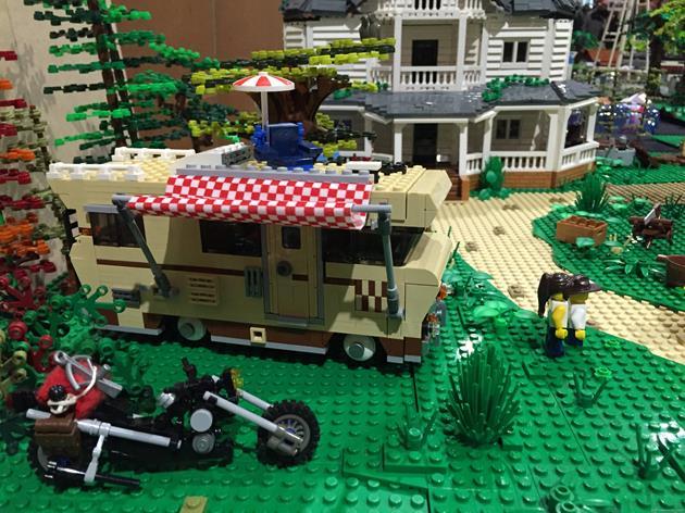 La moto de Daryl et le camping car