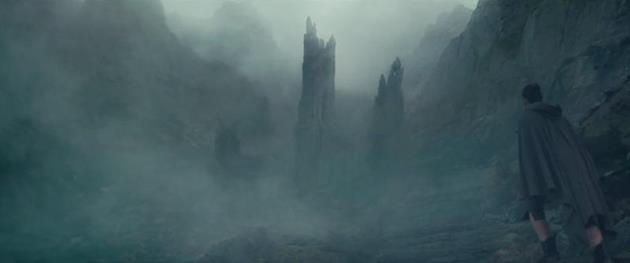 Rey en direction d'un chateau mystérieux