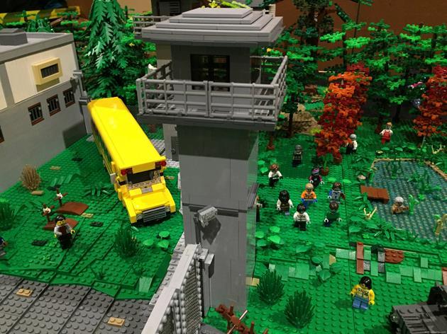 Un mirador et l'autobus jaune d'écolier protège de l'avancée des zombies