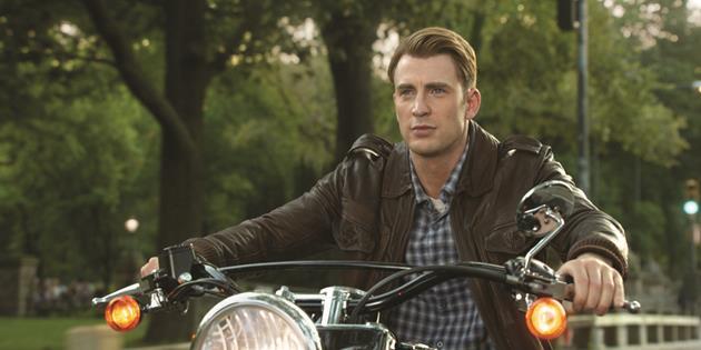 Chris Evans veut continuer à incarner Captain America : Un changement de position comparé aux rumeurs