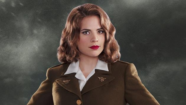 La série Agent Carter dévoile 20 photos de ses personnages façon années 50 : Des personnages qui prennent la pose et des images qui en imposent