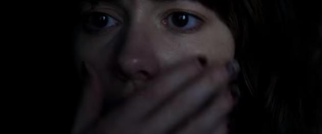 10 Cloverfield Lane, le trailer du projet secret de JJ Abrams : Le danger rôde toujours à l'extérieur