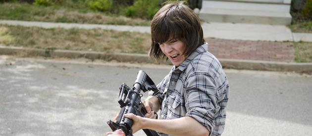 The Walking Dead saison 6 : un énorme spoiler sur Carl révélé dans un poster : Qu'est-ce qui arrive au jeune Carl dans les prochains épisodes ?