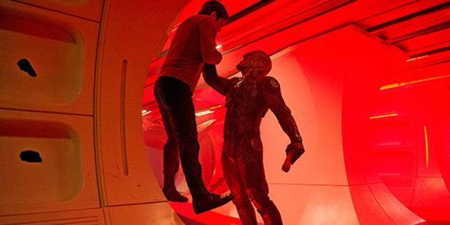 Idris Elba parle de son puissant prédateur dans Star Trek Beyond : Un nouveau méchant assez intéressant