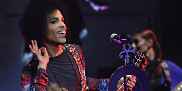 Prince est mort. Hommage à ses contributions dans la science-fiction : Le Prince de la pop nous a quitté en nous laissant un bel héritage musical