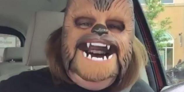Humour : Ce masque de Chewbacca a fait rire des millions de personnes : Cliquez ici pour partager ce fou rire communicatif