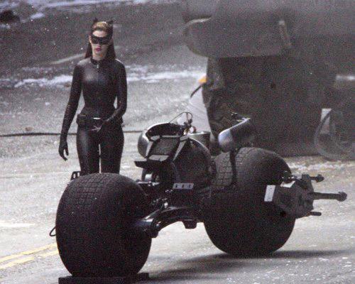 Catwoman et la Batmoto