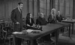 La Famille Addams 1x21 ● Levez la main et dites « Je le jure ! »