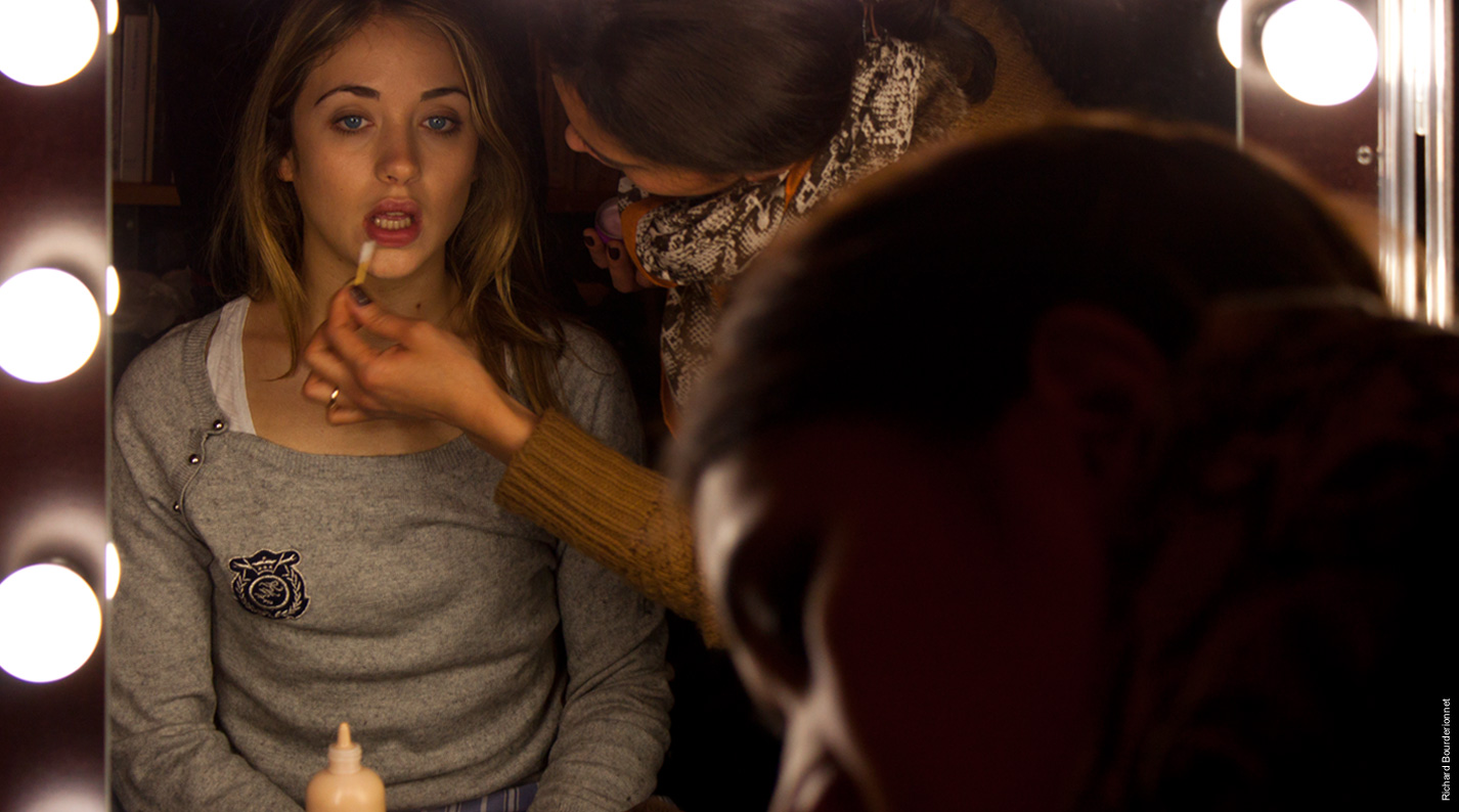Lilly-Fleur POINTEAUX au maquillage