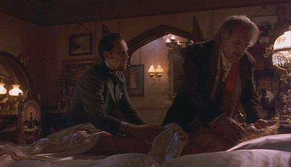 Dracula: Dr Jack Seward (Richard E. Grant), Abraham Van Helsing (Anthony Hopkins) et Lucy Westenra (Sadie Frost)