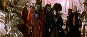 La menace fantôme: Obi-Wan Kenobi (Ewan McGregor), Jar Jar Binks et Qui Gon Jin (Liam Neeson) au secours de la princesse Amidala (Natalie Portman)