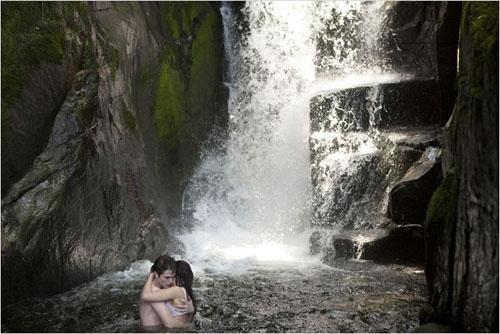 Edward et Bella prennent un bain