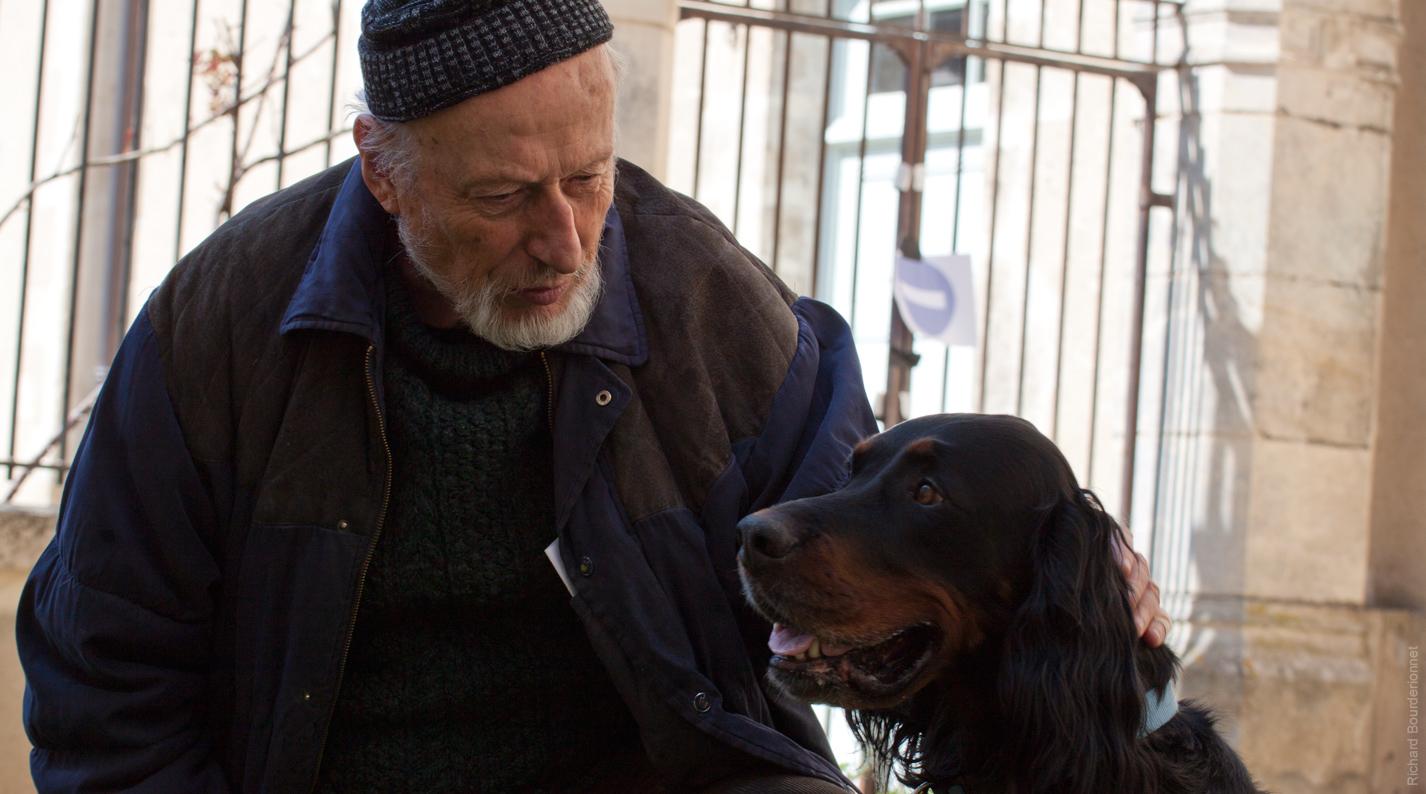Vernon Dobtcheff et son chien