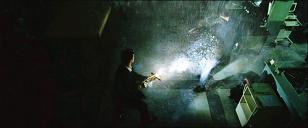 Constantine: John Constantine (Keanu Reeves) est perdu dans Doom.