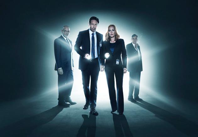 Mulder, Scully, Spinner et l'homme à la cigarette sont de retour