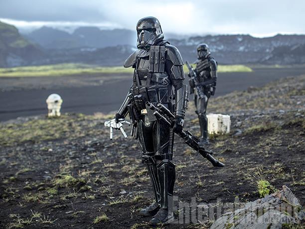 Des troupes de choc impériales un stormtrooper à la main