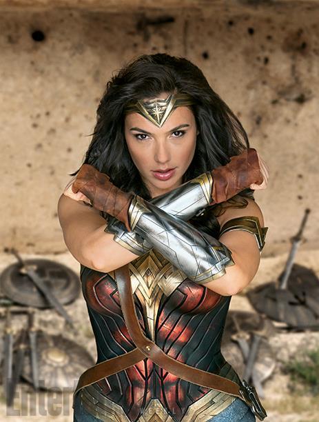 Wonder Woman qui imite Gandalf : Vous ne passerez pas !