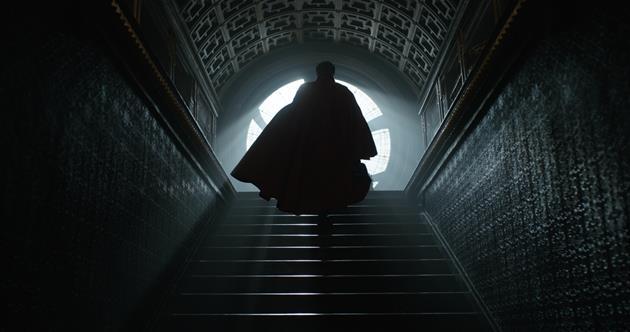 Le Docteur Strange sort de l'ombre
