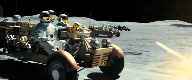 Poursuite sur la Lune