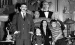 La Famille Addams [1x01] The Addams Family Goes to School
