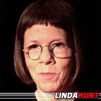Linda Hunt  Actrice, Doubleuse (voix)