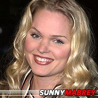 Sunny Mabrey  Actrice
