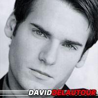 David De Lautour