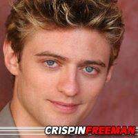 Crispin Freeman  Doubleur (voix)