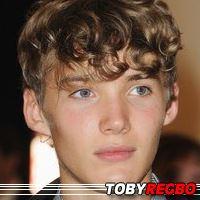 Toby Regbo  Acteur