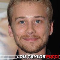 Lou Taylor Pucci  Acteur