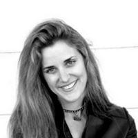 Natasha Rhodes  Auteure