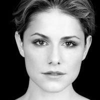 Alix Wilton Regan  Actrice, Doubleuse (voix)