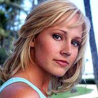 Nikki Deloach  Actrice