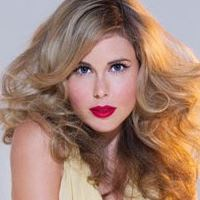 Anna Hutchison  Actrice