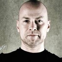 Steven DeKnight  Réalisateur, Producteur, Producteur exécutif