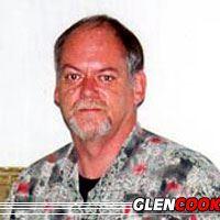 Glen Cook  Auteur