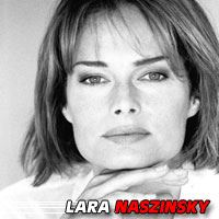 Lara Naszinsky  Actrice