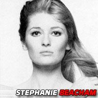 Stephanie Beacham  Actrice