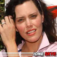Ione Skye  Actrice