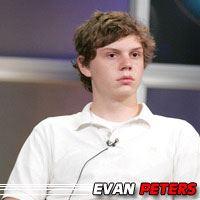 Evan Peters  Acteur