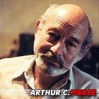 Arthur C. Pierce  Producteur, Scénariste